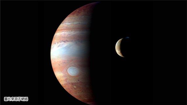 以上就是9/10木星進入天秤座,到2017/10/11離開天秤座這段期間,木星對12星座影響的基本調性,如果再參照其他星體的影響,變化就更多了。12星座的愛情運勢,其他的運程,以及2017每個月的運勢,各位近期可以上星吧網站,測算2017星座流年。 9/10木星進入天秤座的同時,9/9-9/12這幾天,天上的婚神星跟莉莉絲也成合相的效應。代表著,9/9-9/12這幾天內,每個人都會跟某個人有一時的緊張關係,或是一時的不愉快,如果當下保持緘默不說話,或是走開,氣氛會緩解,否則氣氛會變僵。 老天爺給的經驗,說